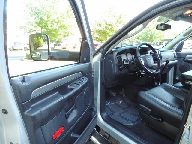 2004 Dodge Ram 3500 Laramie FLAT BED 4X4 / 5.9L Cummins DIESEL 6-SPEED - Photo 14 - Portland, OR 97217