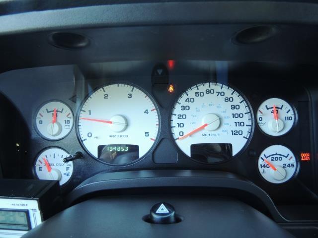 2004 Dodge Ram 3500 Laramie FLAT BED 4X4 / 5.9L Cummins DIESEL 6-SPEED - Photo 40 - Portland, OR 97217