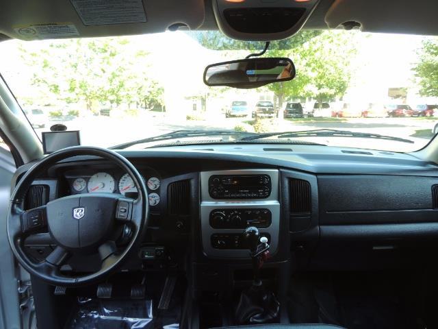 2004 Dodge Ram 3500 Laramie FLAT BED 4X4 / 5.9L Cummins DIESEL 6-SPEED - Photo 37 - Portland, OR 97217