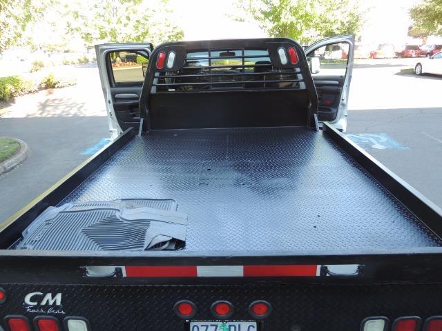 2004 Dodge Ram 3500 Laramie FLAT BED 4X4 / 5.9L Cummins DIESEL 6-SPEED - Photo 11 - Portland, OR 97217