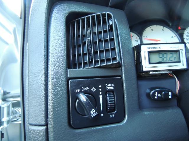 2004 Dodge Ram 3500 Laramie FLAT BED 4X4 / 5.9L Cummins DIESEL 6-SPEED - Photo 23 - Portland, OR 97217