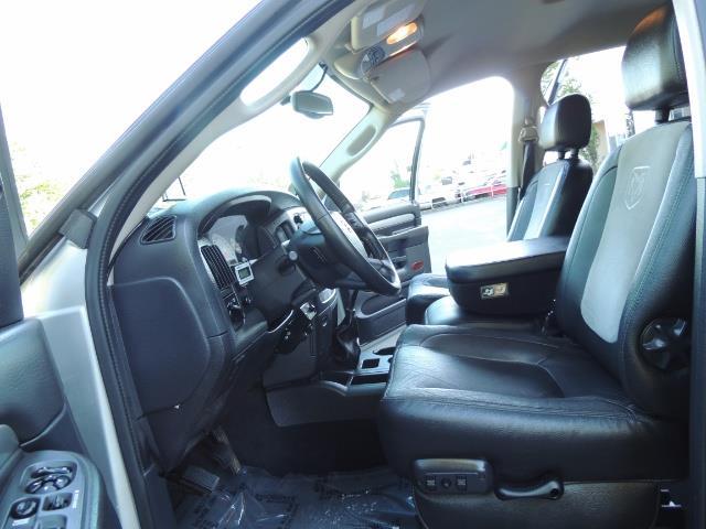 2004 Dodge Ram 3500 Laramie FLAT BED 4X4 / 5.9L Cummins DIESEL 6-SPEED - Photo 15 - Portland, OR 97217
