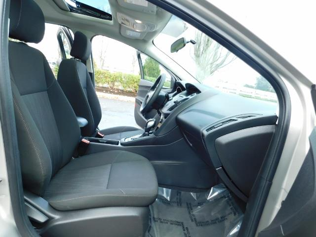 2015 Ford Focus SE / Sunroof / Backup Camera / NEW TIRES / Excel C - Photo 17 - Portland, OR 97217