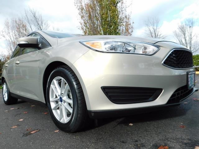 2015 Ford Focus SE / Sunroof / Backup Camera / NEW TIRES / Excel C - Photo 10 - Portland, OR 97217