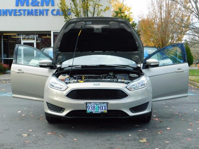 2015 Ford Focus SE / Sunroof / Backup Camera / NEW TIRES / Excel C - Photo 33 - Portland, OR 97217