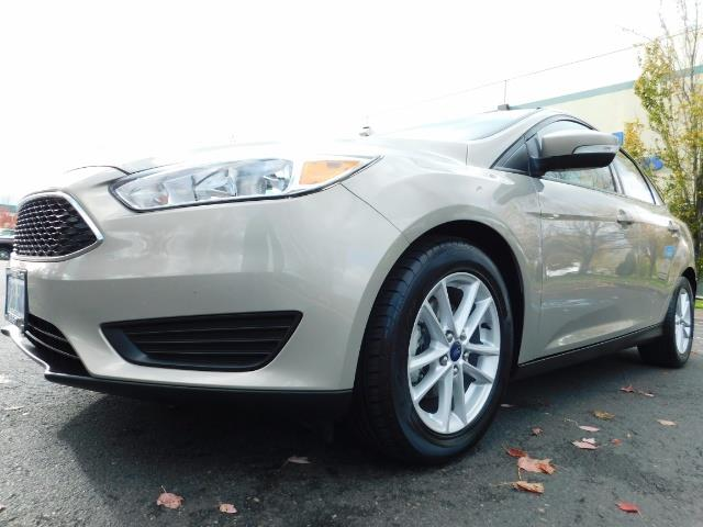 2015 Ford Focus SE / Sunroof / Backup Camera / NEW TIRES / Excel C - Photo 9 - Portland, OR 97217