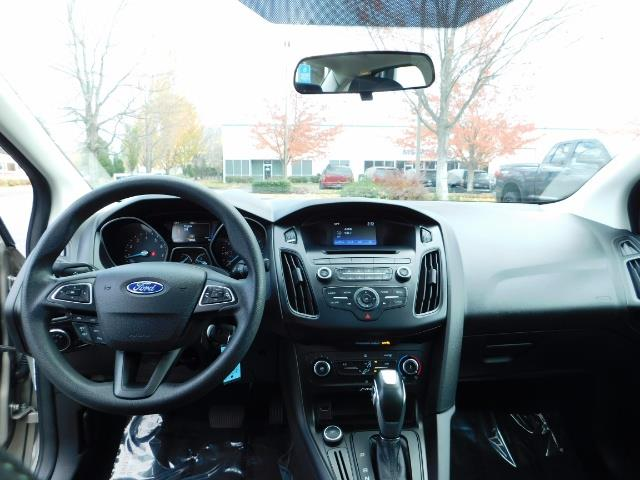 2015 Ford Focus SE / Sunroof / Backup Camera / NEW TIRES / Excel C - Photo 36 - Portland, OR 97217