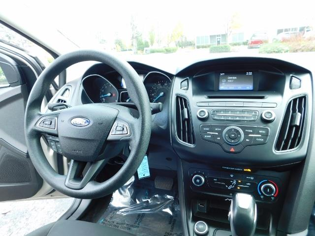 2015 Ford Focus SE / Sunroof / Backup Camera / NEW TIRES / Excel C - Photo 21 - Portland, OR 97217