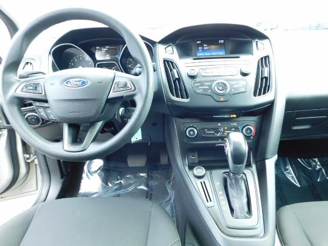 2015 Ford Focus SE / Sunroof / Backup Camera / NEW TIRES / Excel C - Photo 18 - Portland, OR 97217