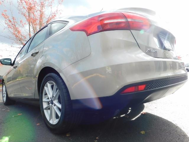 2015 Ford Focus SE / Sunroof / Backup Camera / NEW TIRES / Excel C - Photo 12 - Portland, OR 97217