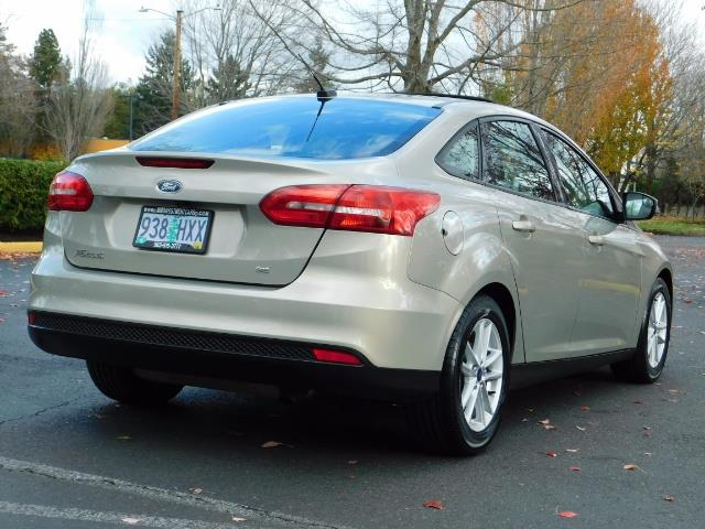 2015 Ford Focus SE / Sunroof / Backup Camera / NEW TIRES / Excel C - Photo 8 - Portland, OR 97217