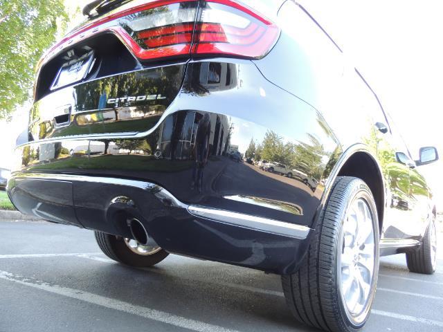 2017 Dodge Durango Citadel / AWD / Navigation / 3RD Seat / Excel Cond - Photo 12 - Portland, OR 97217