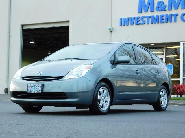 2005 Toyota Prius Hatchback HYBRID / NEW TIRES / 1-OWNER - Photo 1 - Portland, OR 97217
