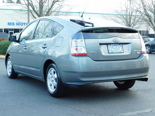 2005 Toyota Prius Hatchback HYBRID / NEW TIRES / 1-OWNER - Photo 7 - Portland, OR 97217