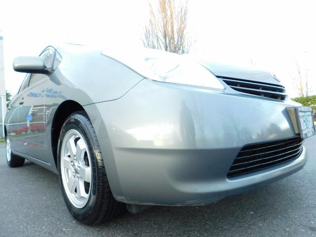 2005 Toyota Prius Hatchback HYBRID / NEW TIRES / 1-OWNER - Photo 10 - Portland, OR 97217