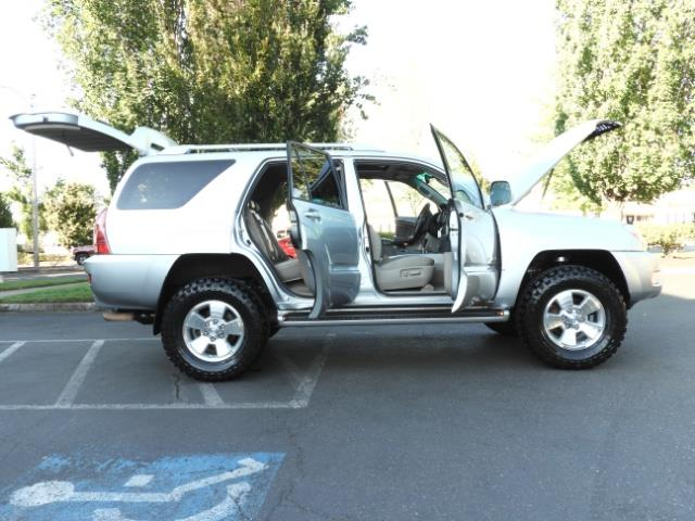 2004 Toyota 4Runner LIMITED Edition 4WD / V8 4.7L / DIFF LOCK / LIFTED - Photo 23 - Portland, OR 97217