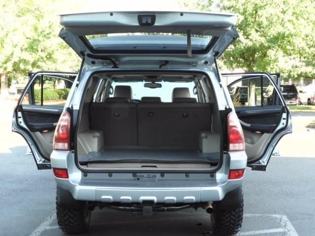 2004 Toyota 4Runner LIMITED Edition 4WD / V8 4.7L / DIFF LOCK / LIFTED - Photo 26 - Portland, OR 97217