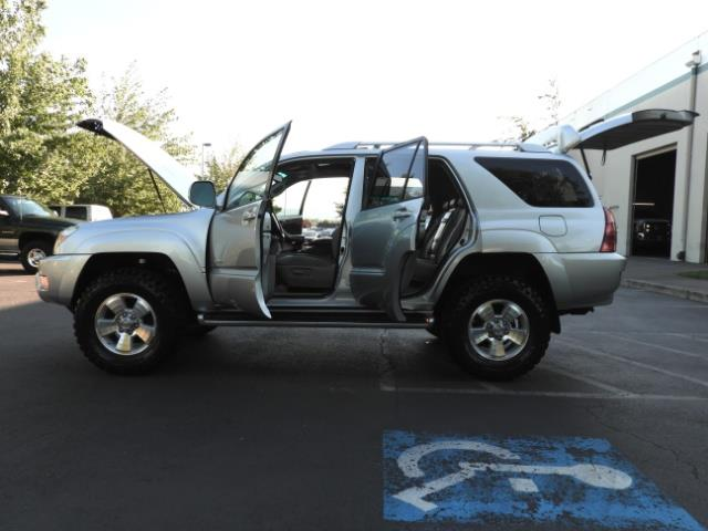 2004 Toyota 4Runner LIMITED Edition 4WD / V8 4.7L / DIFF LOCK / LIFTED - Photo 22 - Portland, OR 97217