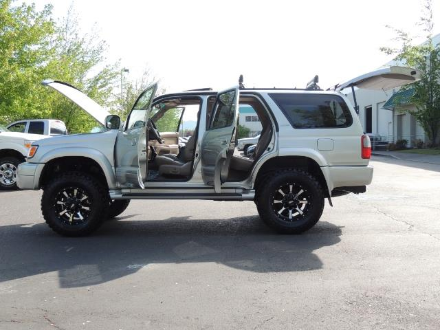 2000 Toyota 4Runner Limited / 4WD / Leather / Rear Diff Lock / LIFTED - Photo 26 - Portland, OR 97217