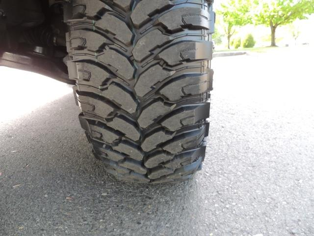 2000 Toyota 4Runner Limited / 4WD / Leather / Rear Diff Lock / LIFTED - Photo 24 - Portland, OR 97217