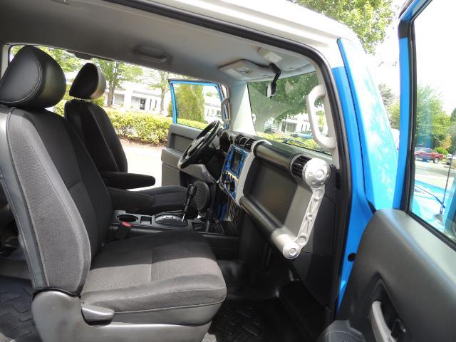 2007 Toyota FJ Cruiser 4dr SUV / 4X4 / REAR DIFF LOCKS / LIFTED LIFTED - Photo 18 - Portland, OR 97217