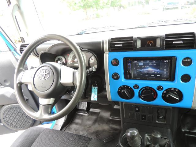 2007 Toyota FJ Cruiser 4dr SUV / 4X4 / REAR DIFF LOCKS / LIFTED LIFTED - Photo 21 - Portland, OR 97217