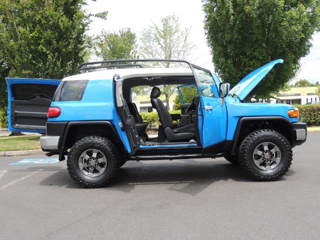 2007 Toyota FJ Cruiser 4dr SUV / 4X4 / REAR DIFF LOCKS / LIFTED LIFTED - Photo 14 - Portland, OR 97217