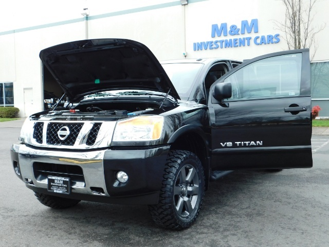 2015 Nissan Titan SV 4Dr Crew Cab / 4WD / Navigation /ONLY 32K MILES - Photo 25 - Portland, OR 97217