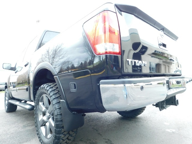 2015 Nissan Titan SV 4Dr Crew Cab / 4WD / Navigation /ONLY 32K MILES - Photo 10 - Portland, OR 97217