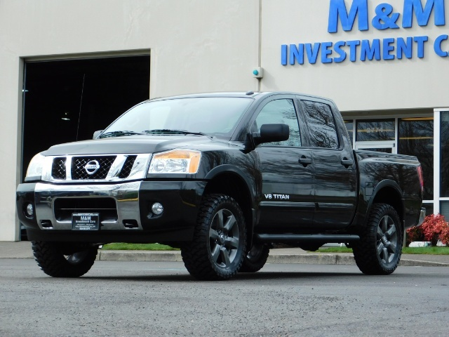 2015 Nissan Titan SV 4Dr Crew Cab / 4WD / Navigation /ONLY 32K MILES - Photo 1 - Portland, OR 97217