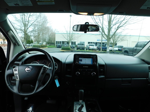 2015 Nissan Titan SV 4Dr Crew Cab / 4WD / Navigation /ONLY 32K MILES - Photo 35 - Portland, OR 97217