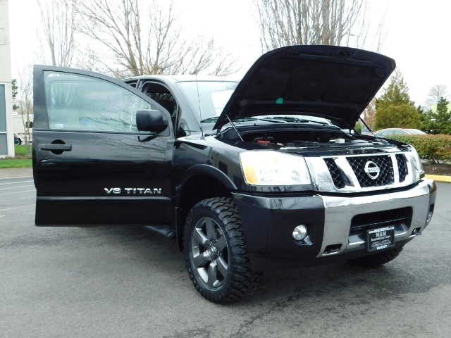 2015 Nissan Titan SV 4Dr Crew Cab / 4WD / Navigation /ONLY 32K MILES - Photo 31 - Portland, OR 97217