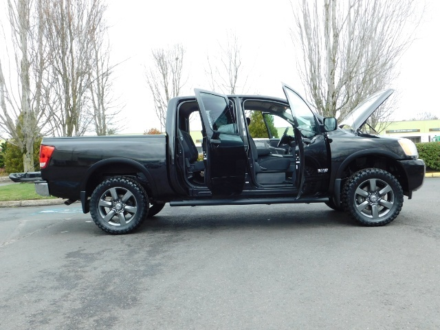 2015 Nissan Titan SV 4Dr Crew Cab / 4WD / Navigation /ONLY 32K MILES - Photo 30 - Portland, OR 97217