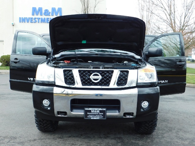 2015 Nissan Titan SV 4Dr Crew Cab / 4WD / Navigation /ONLY 32K MILES - Photo 32 - Portland, OR 97217