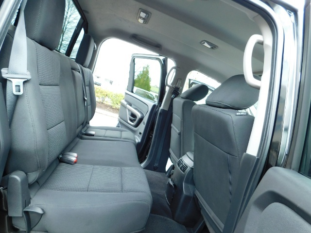 2015 Nissan Titan SV 4Dr Crew Cab / 4WD / Navigation /ONLY 32K MILES - Photo 16 - Portland, OR 97217