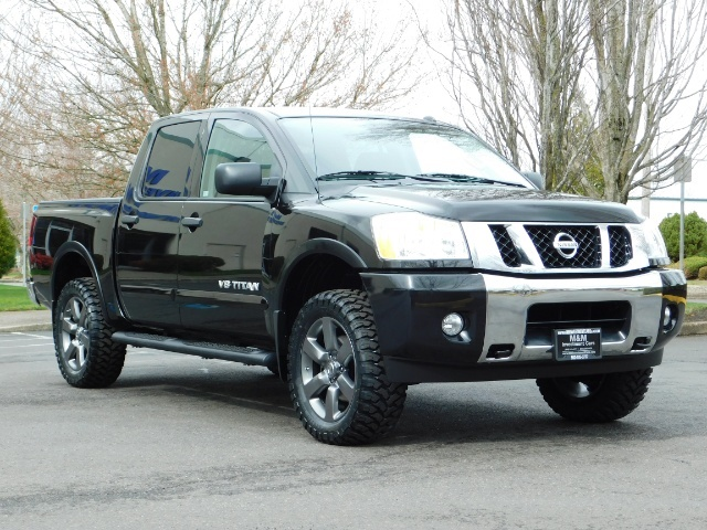 2015 Nissan Titan SV 4Dr Crew Cab / 4WD / Navigation /ONLY 32K MILES - Photo 2 - Portland, OR 97217