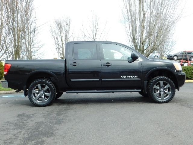 2015 Nissan Titan SV 4Dr Crew Cab / 4WD / Navigation /ONLY 32K MILES - Photo 4 - Portland, OR 97217