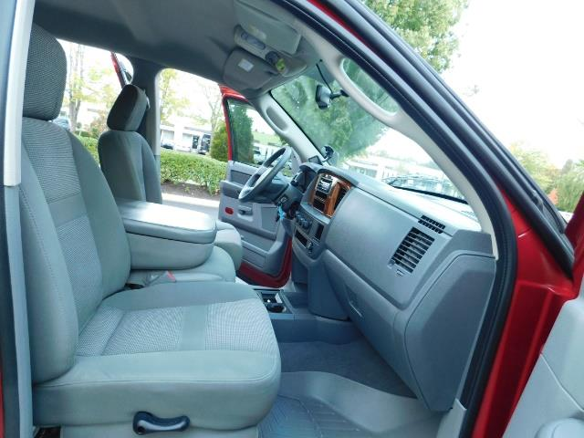 2006 Dodge Ram 2500 SLT SLT 4dr Mega Cab / 4X4 / 5.9L DIESEL CUMMINS - Photo 17 - Portland, OR 97217