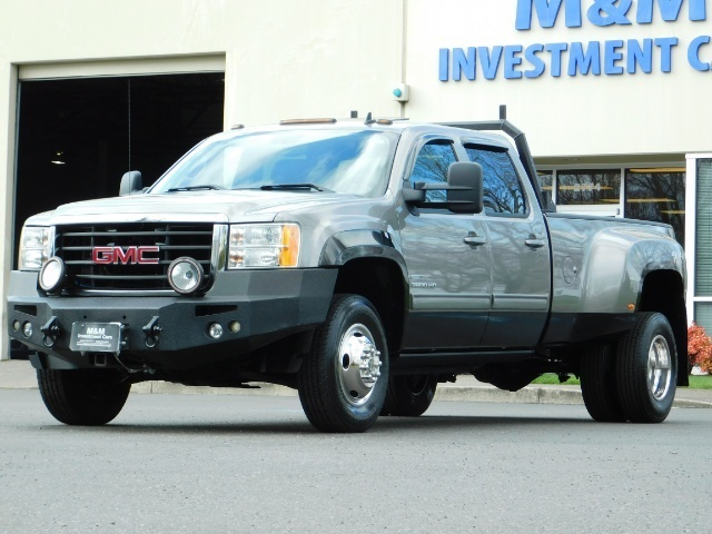 2009 GMC Sierra 3500 SLT / Dually / 6.6L Duramax Diesel / 1-OWNER - Photo 1 - Portland, OR 97217
