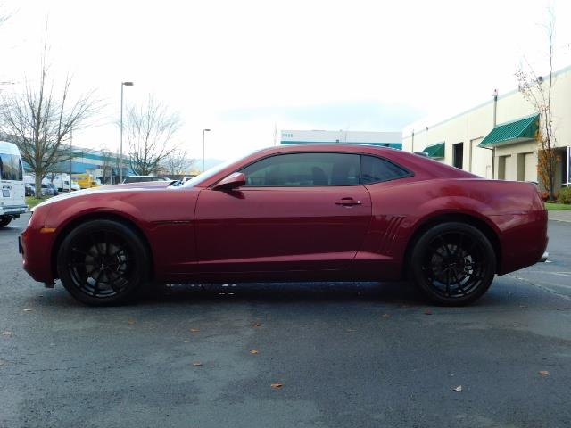 2011 Chevrolet Camaro LT / Coupe / Premium Wheels / Spoiler / Excl Cond - Photo 3 - Portland, OR 97217