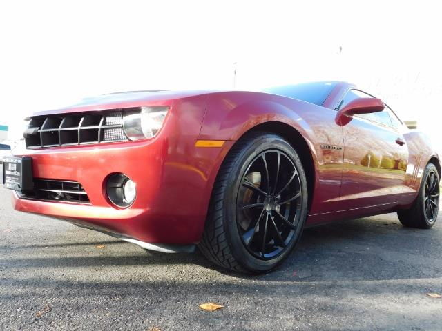 2011 Chevrolet Camaro LT / Coupe / Premium Wheels / Spoiler / Excl Cond - Photo 9 - Portland, OR 97217