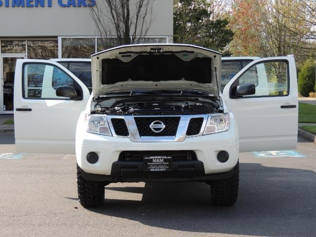 2016 Nissan Frontier SV / 4X4 / Crew Cab / 6Cyl / LIFTED LIFTED - Photo 32 - Portland, OR 97217