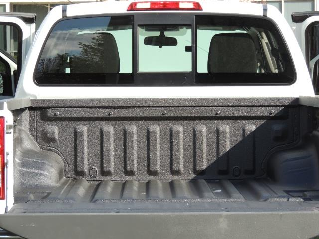 2016 Nissan Frontier SV / 4X4 / Crew Cab / 6Cyl / LIFTED LIFTED - Photo 29 - Portland, OR 97217