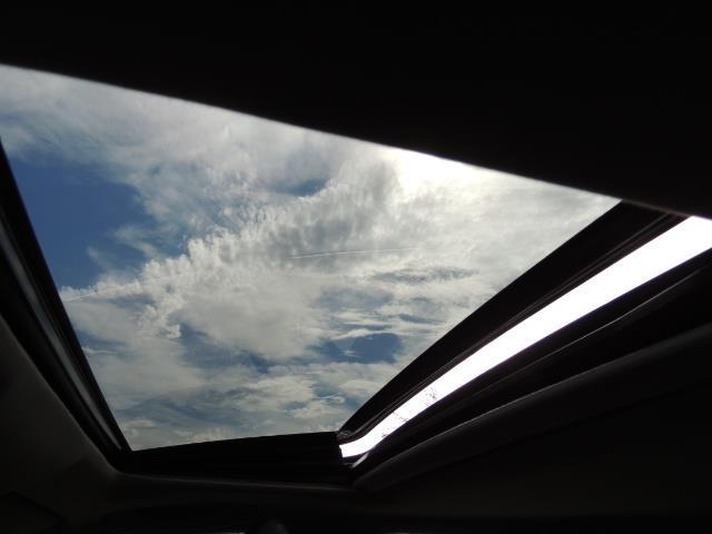 2009 Lexus ES 350 / Luxury Sedan / Navigation / 1-OWNER/ 50K MLS - Photo 22 - Portland, OR 97217