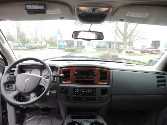 2006 Dodge Ram 2500 SLT 4dr Mega Cab / 4X4 / 5.9L DIESEL / FLAT BED - Photo 34 - Portland, OR 97217