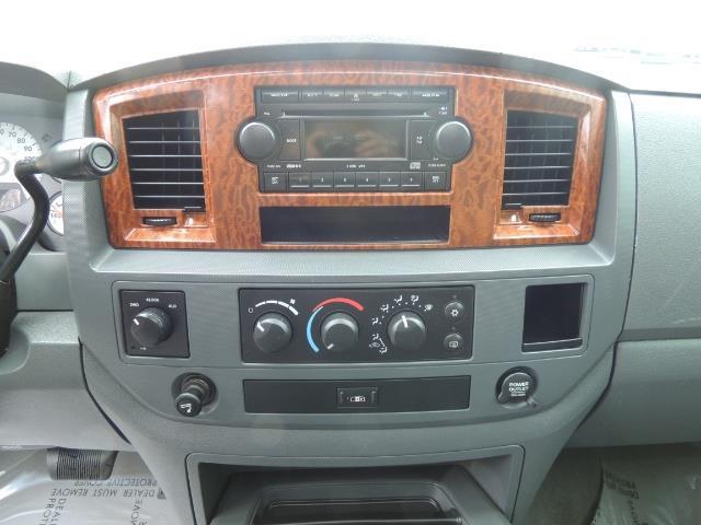 2006 Dodge Ram 2500 SLT 4dr Mega Cab / 4X4 / 5.9L DIESEL / FLAT BED - Photo 21 - Portland, OR 97217