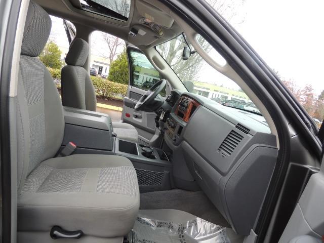 2006 Dodge Ram 2500 SLT 4dr Mega Cab / 4X4 / 5.9L DIESEL / FLAT BED - Photo 18 - Portland, OR 97217