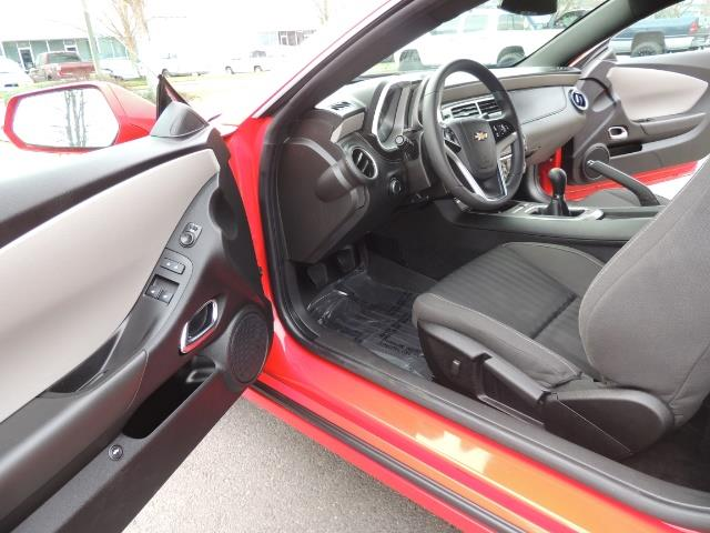 2014 Chevrolet Camaro LS / Coupe / 3.6 Liter 6Cyl / ONLY 9000 MILES - Photo 11 - Portland, OR 97217