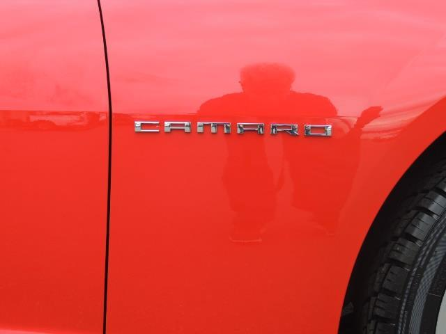 2014 Chevrolet Camaro LS / Coupe / 3.6 Liter 6Cyl / ONLY 9000 MILES - Photo 31 - Portland, OR 97217