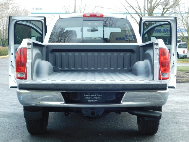 2006 Dodge Ram 2500 Laramie / 4X4 / 5.9L Cummins / 1-OWNER / LEATHER - Photo 21 - Portland, OR 97217